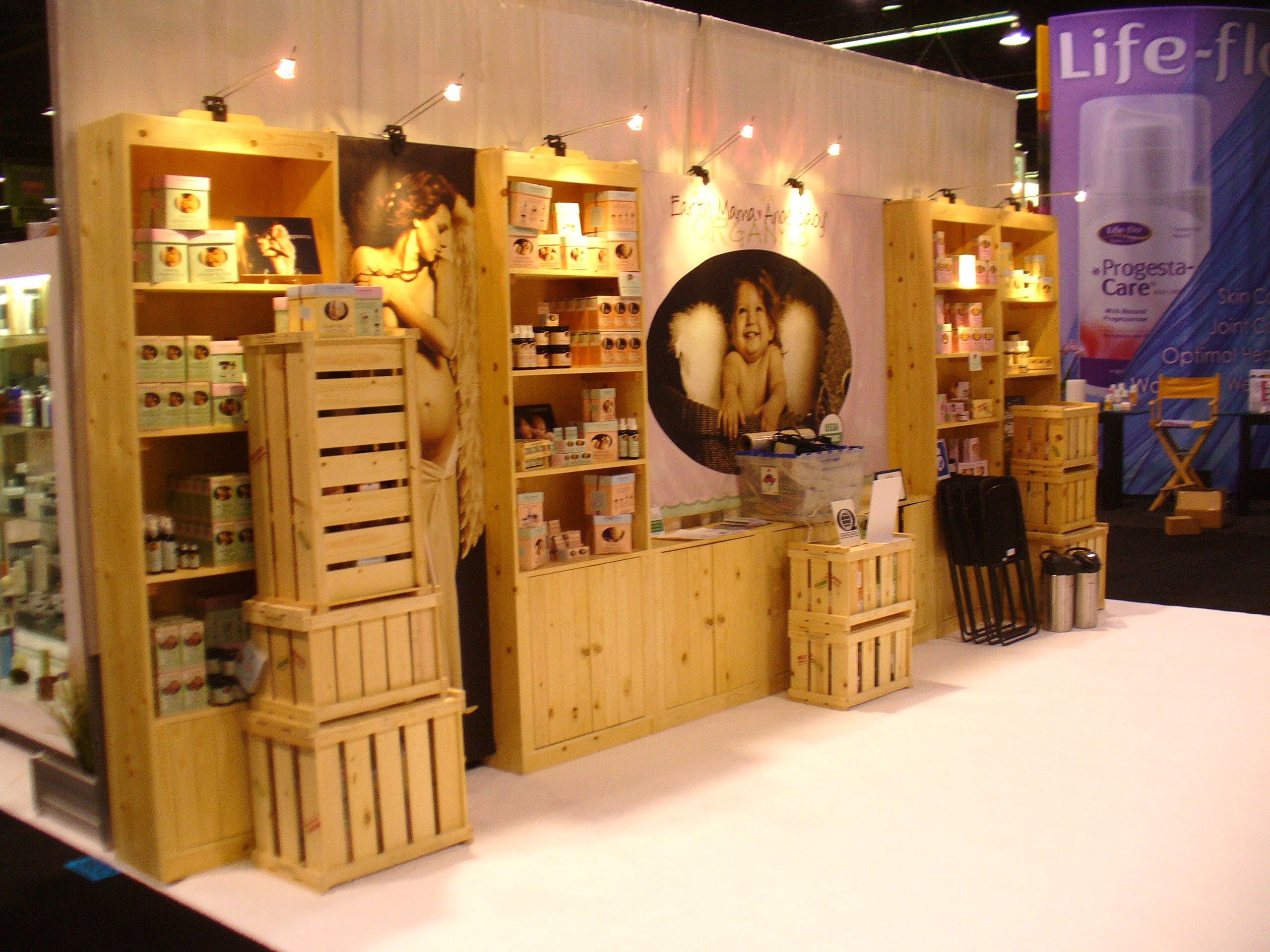Wooden Exhibition Booth : Ways to make sure your tradeshow exhibit experience